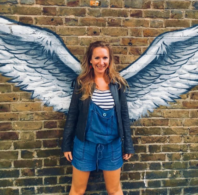 lol-brick-wall-angel-comedy.jpg